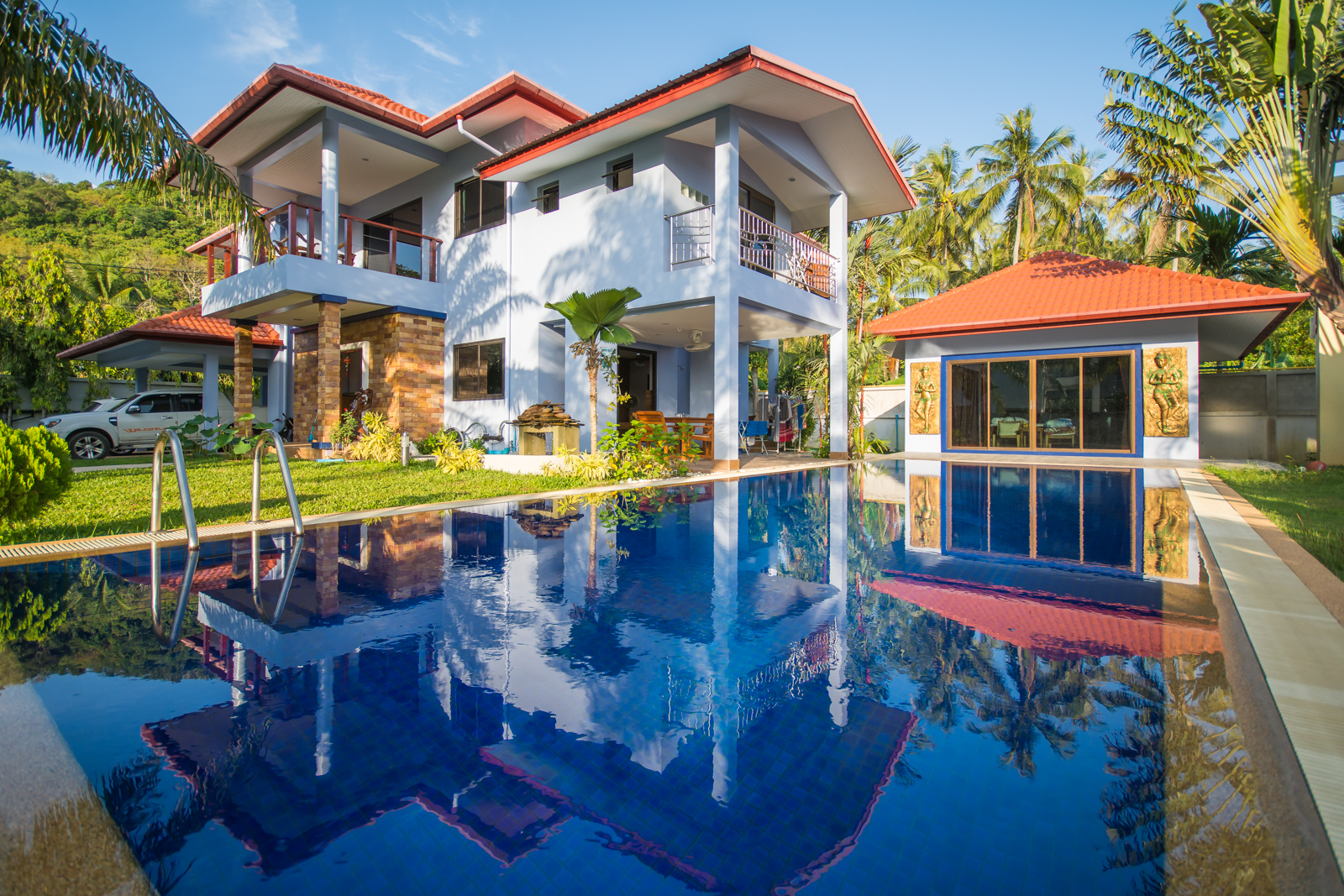 4 bed villa with pool in Yanui