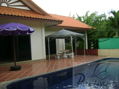 2 Br. House with Pool, Nai Harn